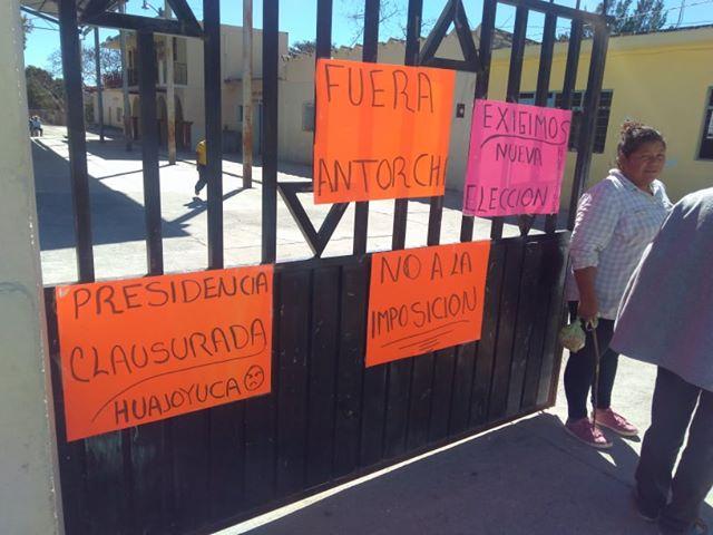 CLAUSURAN PRESIDENCIA DE HUAJOYUCA ANTE IMPOSICIÓN DEL AYUNTAMIENTO